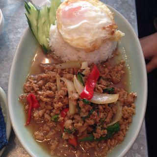 鶏挽肉のバジル炒め(クルン・サイアム 六本木店 )