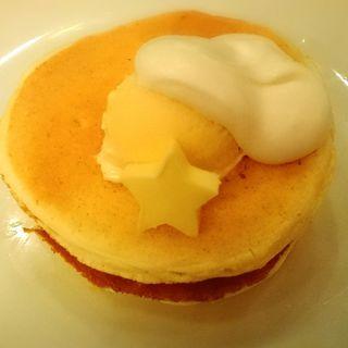 バターと生クリームとアイスのパンケーキ(エムジー (mg.))