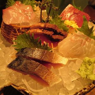 漁師直送鮮魚 <松輪>刺身盛り合わせ(EN別邸)