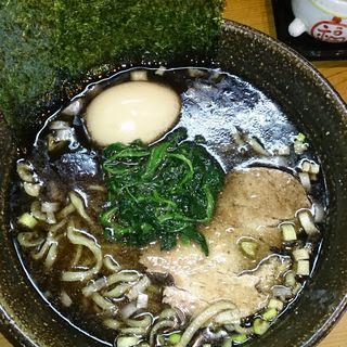 黒とんこつ醤油ラーメン(麺家 八の坊 (めんや はちのぼう))