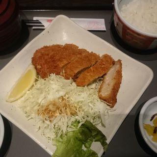 厚切りロースカツ定食(若鯱家 アピタ長津田店 (わかしゃちや))