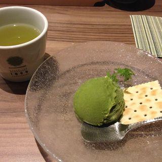 抹茶アイス(GREEN TEA RESTAURANT 1899 OCHANOMIZU (グリーン ティー レストラン イチハチキュウキュウ))