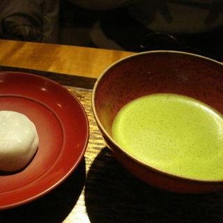 お薄茶と抹茶大福(茶香房 長竹 (ちゃこうぼう ながたけ))