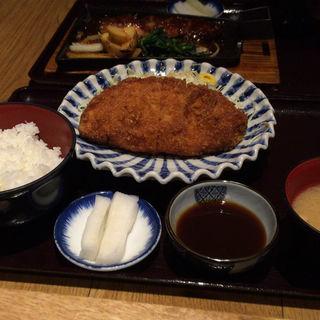 厚切りロースカツ定食(おふくと虎吉 水戸内原店)