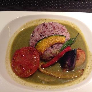 五穀米と彩り野菜のグリーンカレー(コンカフェ (Con Caffé))