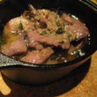 豚ホルモンのオイル煮(スペインバル ヴィータ)