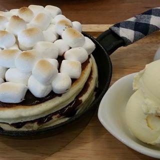 焼きマシュマロとチョコレートのパンケーキ(mog 京橋店 (モグ))