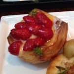 苺とリュバーブのデニッシュ