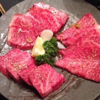カルビ(黒毛和牛A4)(炭火焼肉ホルモン 月波)