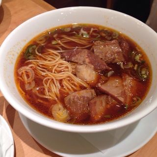 牛肉の煮込み麺(鼎泰豐 池袋店 (ディンタイフォン))
