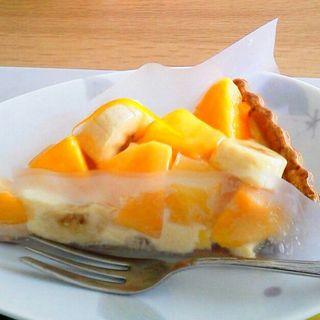 マンゴーとバナナのタルト(キルフェボン代官山店)