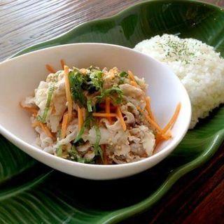 さっぱりゆで豚のからしソース(スナンカフェ (Sunan Cafe))