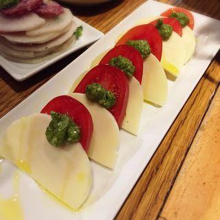 トマトのカプレーゼ(新宿ワイン酒場 )
