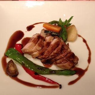 松阪豚ロースのロティ フォアグラ風味の赤ワインソース(ミチノ・ル・トゥールビヨン )