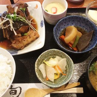煮魚定食(さばのあら煮)(旬菜なんてん )