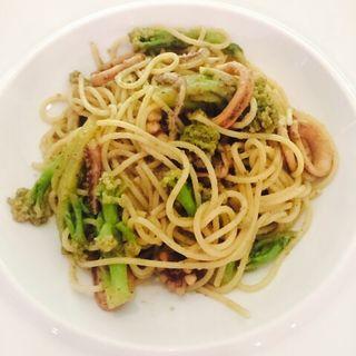 イカとアンチョビとブロッコリーのスパゲッティ(リストランテ・スカレッタ)