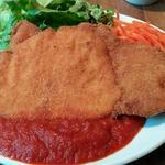 ポークカツ トマトバジルソース