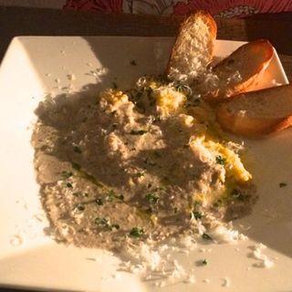 キノコクリームソースのスクランブルチーズオムレツ(APPARTEMENT 301 (アパルトマンサンマルイチ))