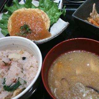 手ごね豆腐ハンバーグ定食(十五夜米八 (じゅうごやよねはち))