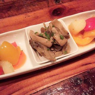 野菜の前菜3種盛り(ピタッティ (Pitatti))