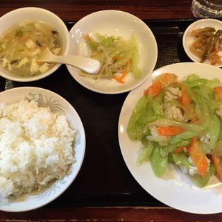 イカとセロリの炒め定食(独一処餃子 葛西店 (トクイッショギョウザ))