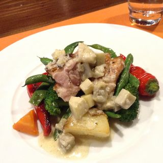 ランチBコースより 季節の野菜と鶏ソテー(epice (エピス))