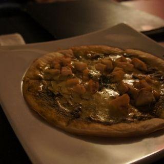 ハーブチキンのバジルソースピザ(グリーンハウスシルバ)