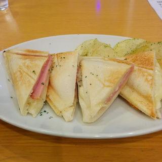 ホットサンド ハム&チーズ(さくらんぼ)