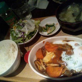 デミタマチーズハンバーグ定食(デイリーズカフェ (DAILIES Cafe))