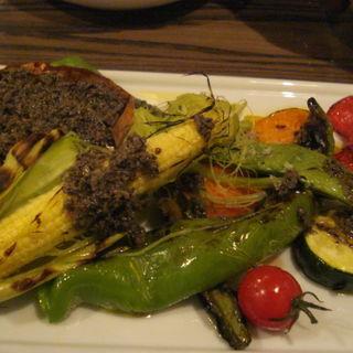炙り野菜のバーニャカウダサラダ(文世食堂 (フミヨショクドウ))