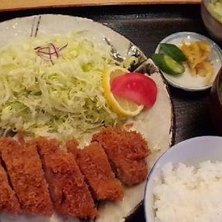ロースカツ定食(くま倉 )