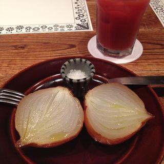 有機玉ねぎのオーブン焼き(ロイヤルガーデンカフェ  渋谷)