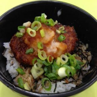 ミニチキンおろしカツ丼(ビッグパパ (BIG PAPA))