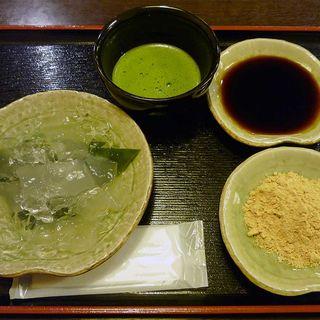 二色わらび餅と抹茶(団ぷ鈴 )