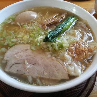 塩ワンタンめん+とろ~り半熟味付玉子(心麺)