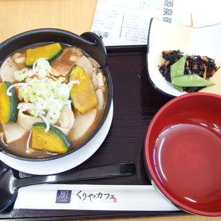 鍋焼きうどん(くりやカフェ(厨cafe))