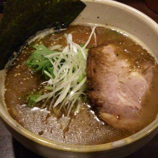無尽蔵醤油らーめん(麺屋 無尽蔵  (めんや むじんぞう))