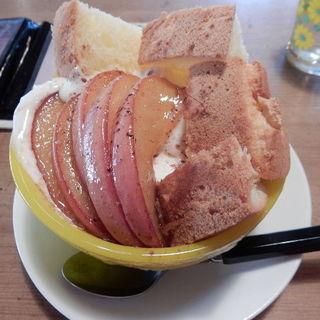 りんごのパフェ(ナナイロカフェ )