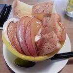 りんごのパフェ