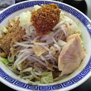 まぜそば(魚粉+揚げねぎ+チーズ)+ニンニク(山勝 角ふじ 南流山店)