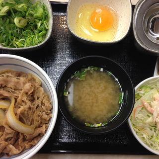ネギ玉丼+牛蒡サラダ、お味噌汁(吉野家 134号線江ノ島店)