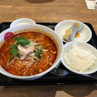 トムヤムラーメン(ティーヌン イオンモール幕張新都心店)