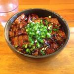 中豚丼(炭焼豚丼 豚野郎 (ぶたやろう))