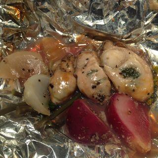 牡蠣と有機野菜のホイル焼き(牡蠣屋うらら 飯田橋店 )