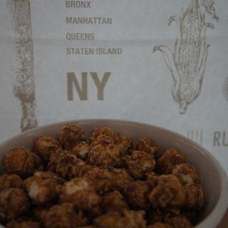 ソルティ キャラメル&マカダミアンナッツ(Sサイズ) (Butter POPCORN 北新地店)