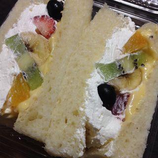フルーツサンド(パンくま 2号店 )