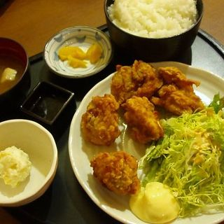 唐揚げ定食(居酒屋 王道 西新橋店)