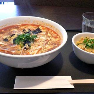 酸辣湯麺(杜蘭香)