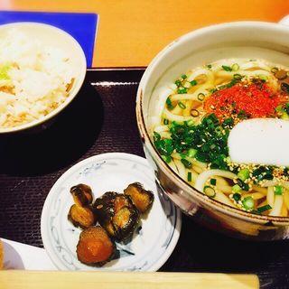 ゴマネギうどんと炊き込みご飯のセット(手打うどん 銀座木屋 渋谷新南口店)