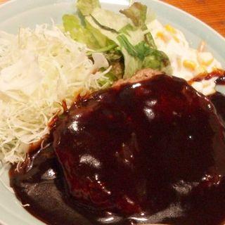 ハンバーグ定食(寅 (とら))